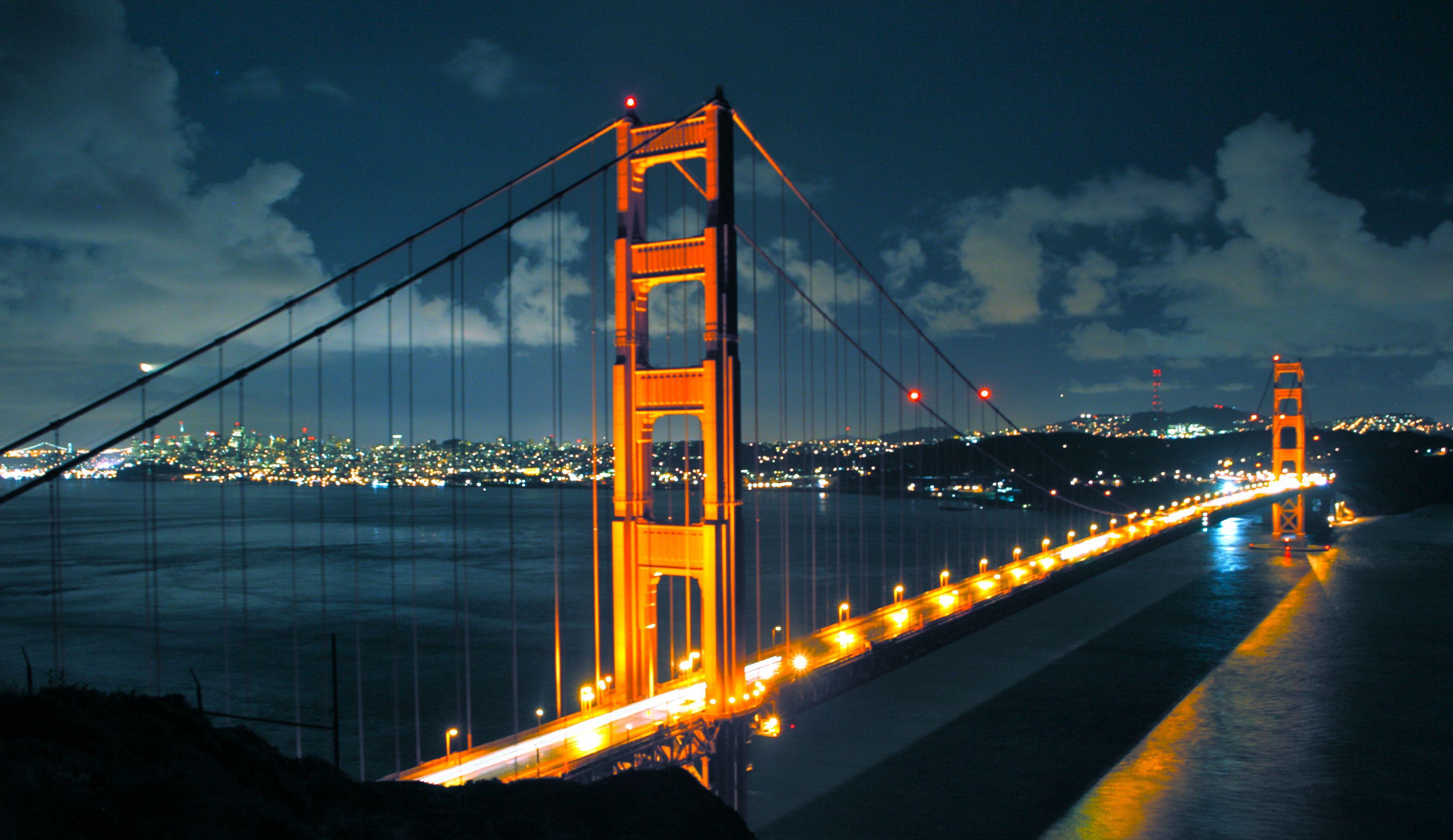 Night Golden Bridge