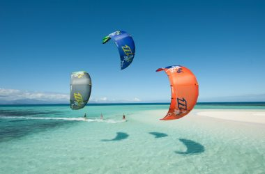 Cool Kitesurfing 12424