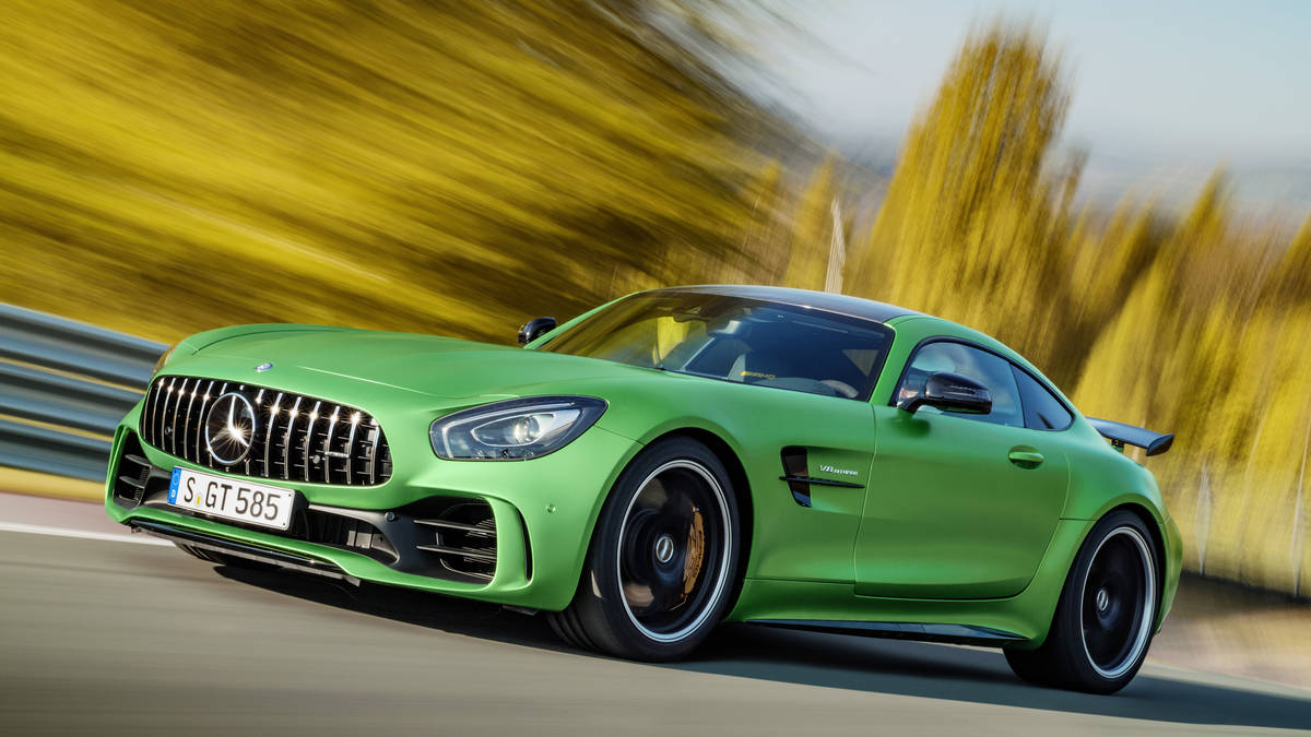 Green Mercedes AMG GTR