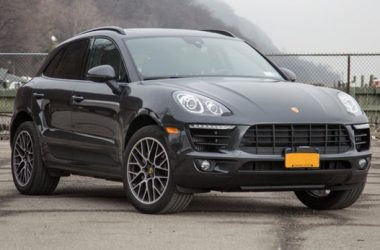 Black Porsche Macan S