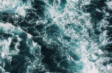 HD Waves Wallpaper