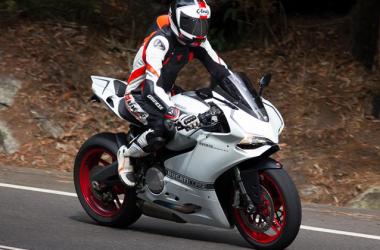 White Ducati Corse 25267