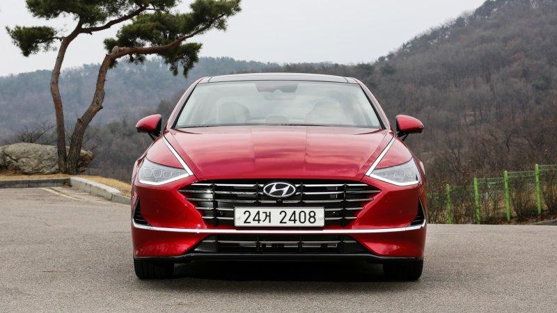 Red Hyundai Vision T