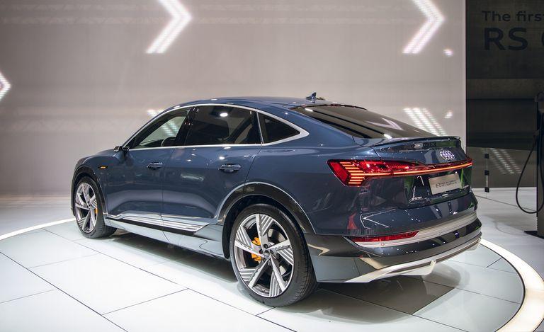 Cool Audi e-tron