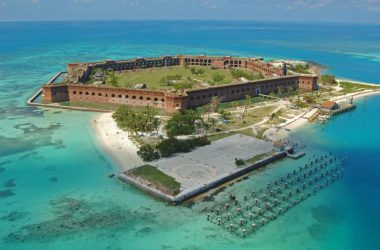 Widescreen Tortugas Island