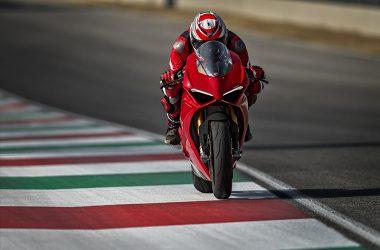 Super Model Ducati Panigale V4 S