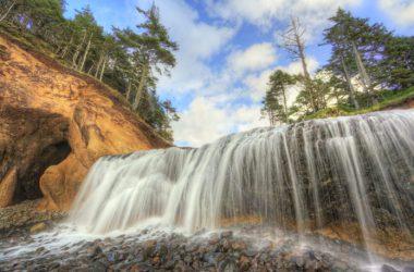 Free Hug Point Falls