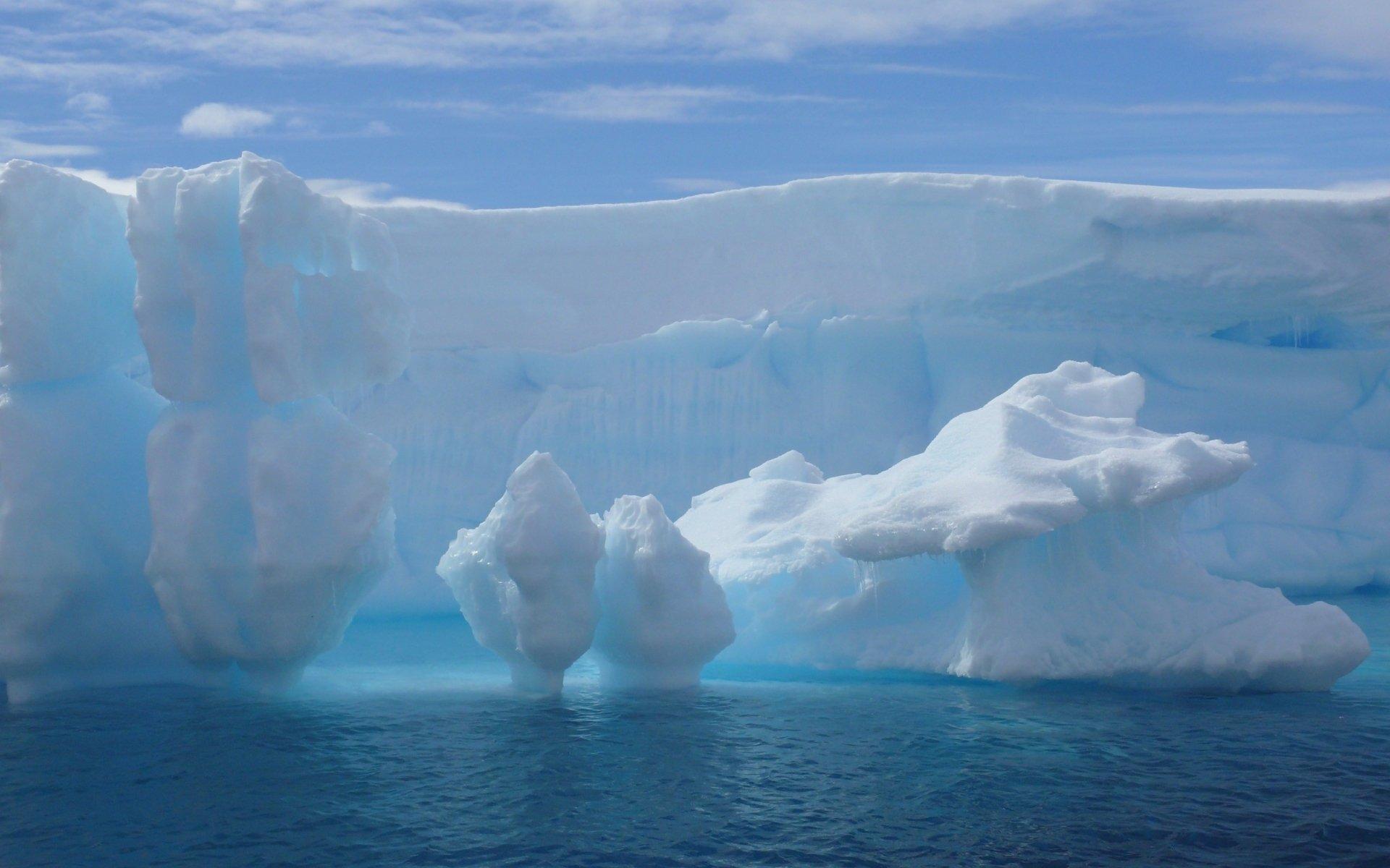 Awesome Iceberg Wallpaper